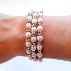 Jewelry - Pearl Diamond Faux Bracelet